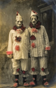 lovedaylemon on flickr picture of clowns